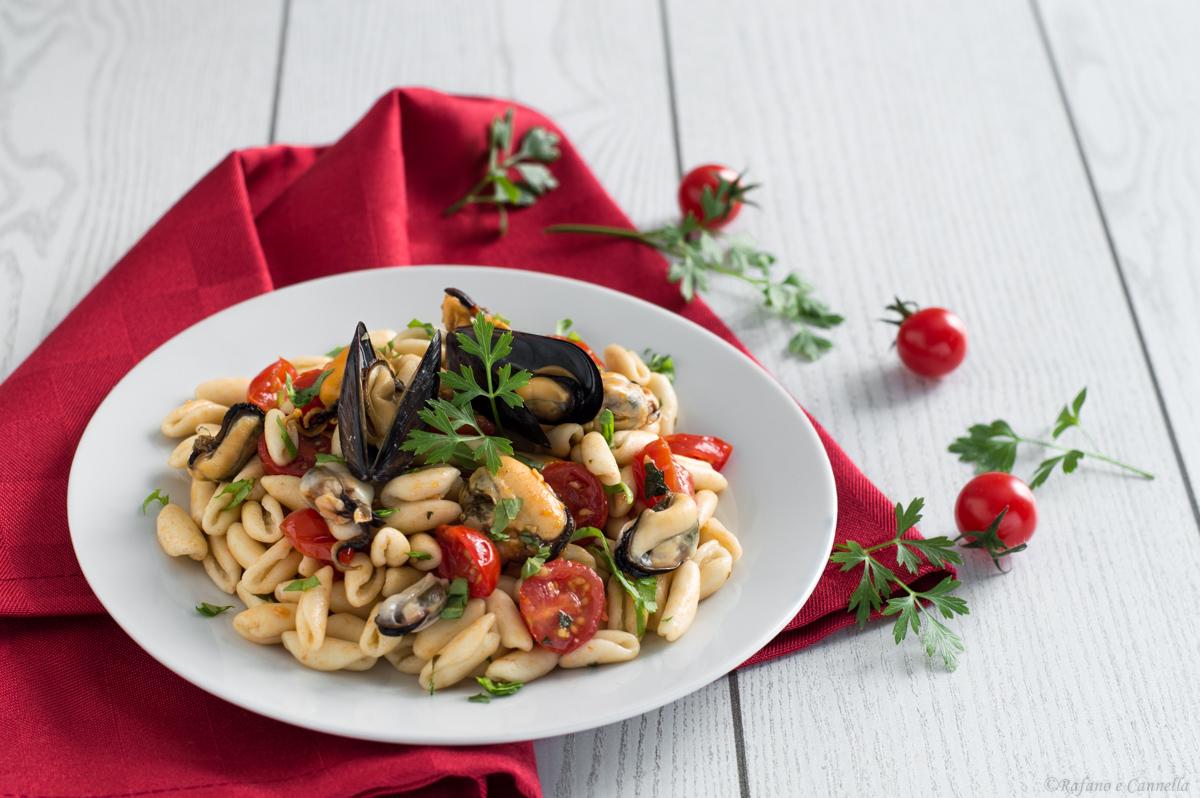 Cavatielli con frutti di mare, rucola e pomodorini